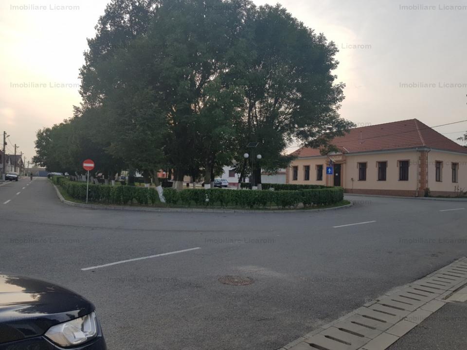 Casa saseasca Rotbav,zona linistita,2 corpuri casa,teren 1061mp.