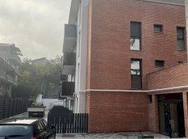 Apartament 2 camere decomandat, Centru, prima inchiriere