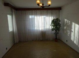 Vanzare apartament 2 camere, decomandat, zona Carol Davila