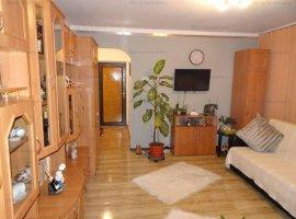 Vanzare apartament 2 camere, semidecomandat, zona Brazi