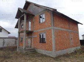 Vanzare casa 5 camere, in Lipanesti