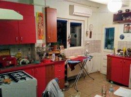 Apartament de vanzare 3 camere 102 mp cladire interbelica