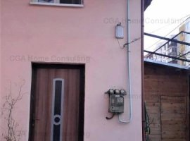 Casa de vanzare 3 camere, economica, zona Virtutii