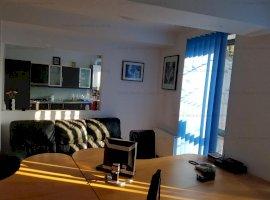 Apartament 3 camere de vanzare , Zona Eminescu
