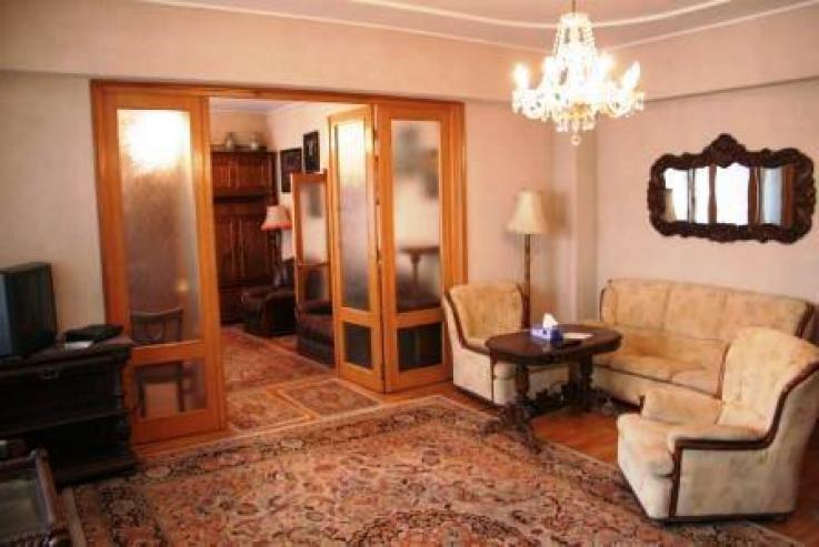 Polona - Aurel Vlaicu: apartament inchiriere