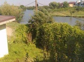 Vila comuna Berceni langa lac de vanzare urgent