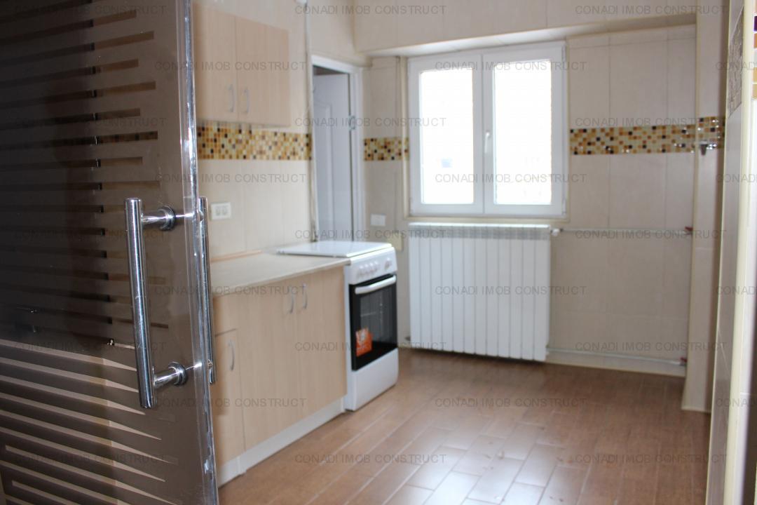 Inchiriere Apartament 3 Camere-Renovat-Splaiul Unirii-Camera de Comert