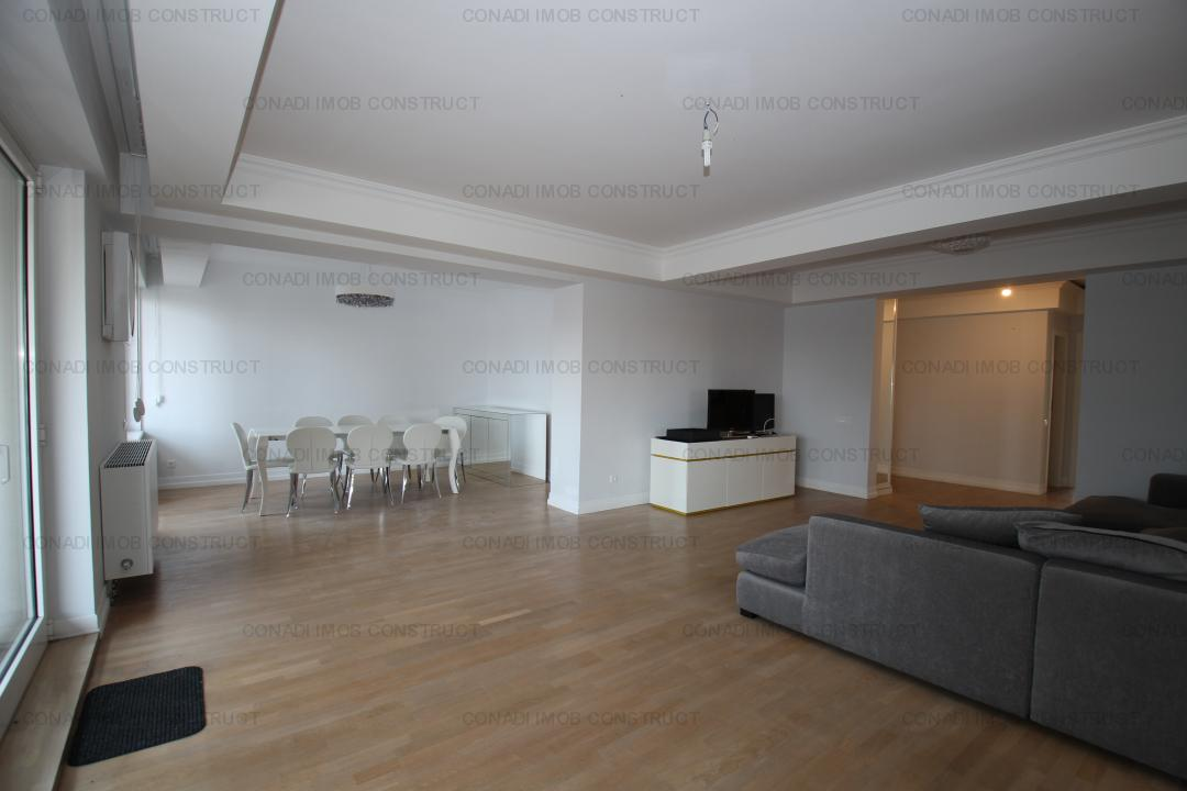 Charles de Gaulle - Televiziune: 6 camere, apartament imobil anii '90