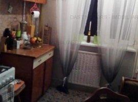 Vanzare apartament cu 3 camere - Zorilor