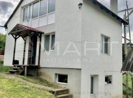 Casa cu teren 1335 mp, Valcele