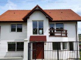 Casa cu 5 camere, Campenesti