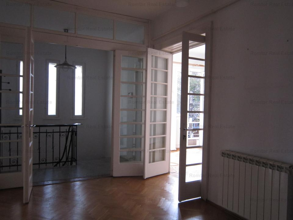 https://www.romtor.ro/en/inchiriere-apartments-4-camere/bucuresti/floor-in-villa-for-rent-the-arc-de-triomphe-casin_1136