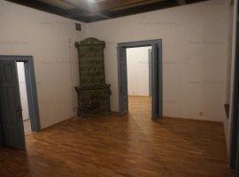 Hala Traian, spatiu birouri parter in vila P+M, intrare separata, 125 mp utili