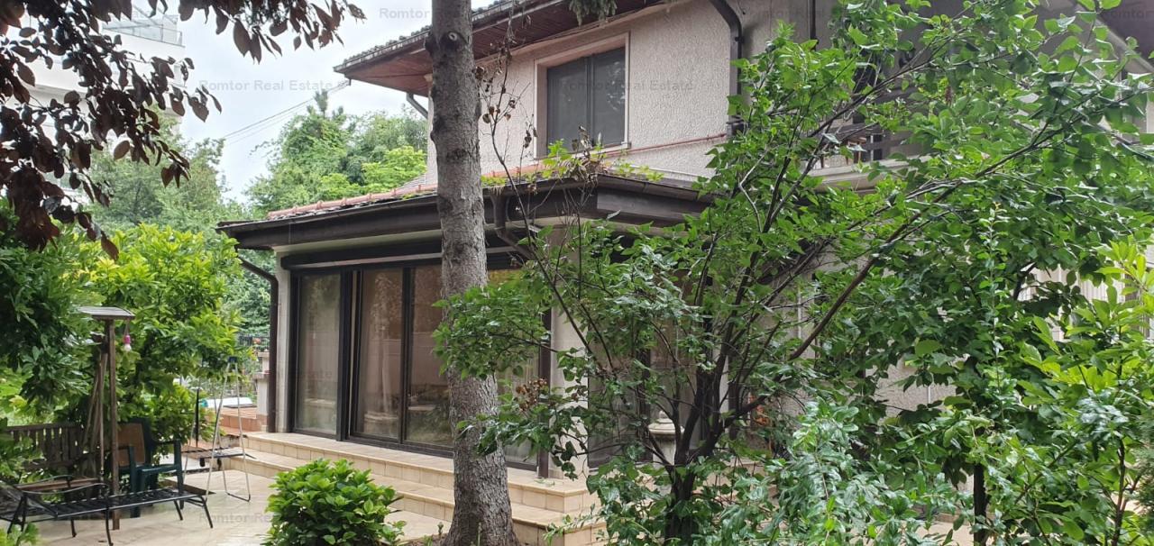 https://www.romtor.ro/ro/vanzare-houses-villas-5-camere/bucuresti/vila-de-vanzare-kiseleff_1289