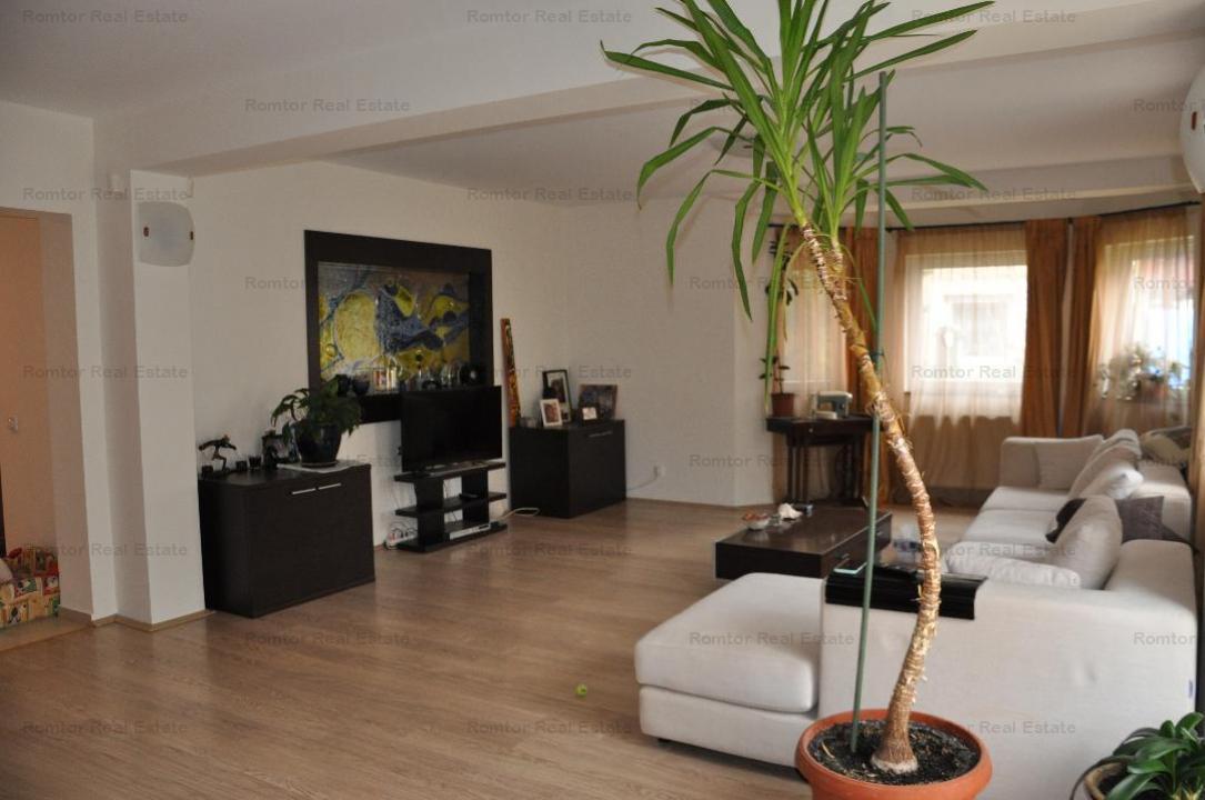 https://www.romtor.ro/ro/inchiriere-houses-villas-4-camere/bucuresti/iancu-nicolae-jollie-ville-vila-in-ansamblu-rezidential-garaj_1318