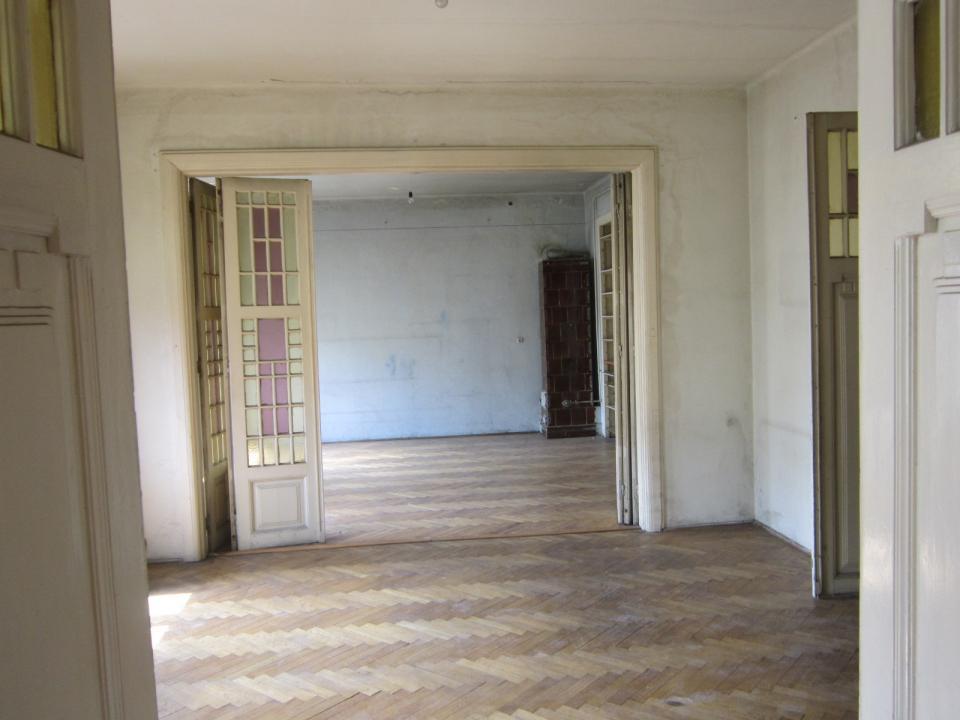 Cismigiu Kogalniceanu,  camere inalte, liber, parcare