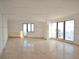 EFR UPGRADE IMOBILIARE - Apartament de vanzare, 3 camere în zona Damaroaia