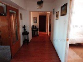 Apartament 4 camere de vanzare zona Stefan cel Mare Parcul Circului
