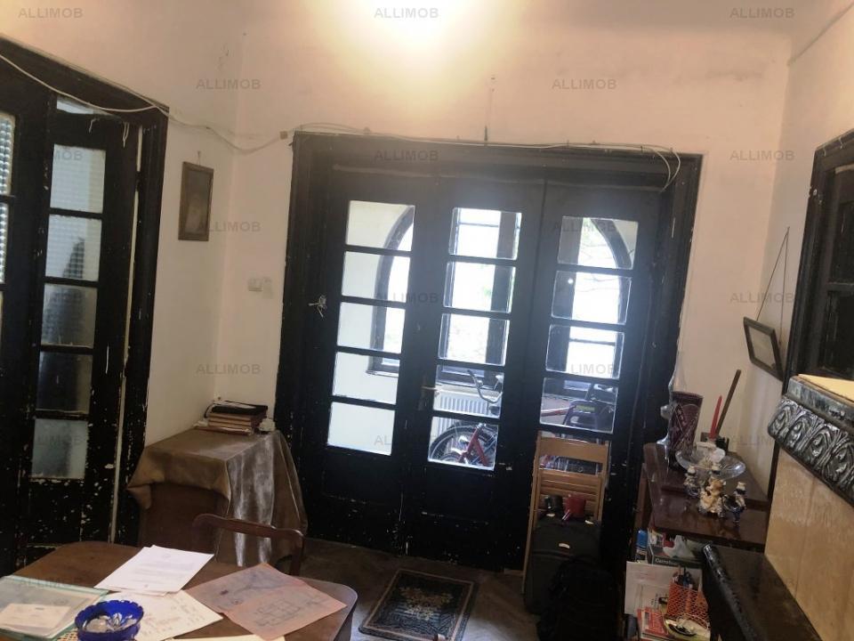 https://allimob.ro/ro/vanzare-houses-villas-4-camere/ploiesti/casa-cu-3-camere-zona-ultracentral-ploiesti_1182