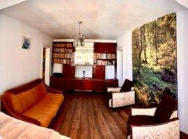 Apartament 3 camere in zona Malu Rosu