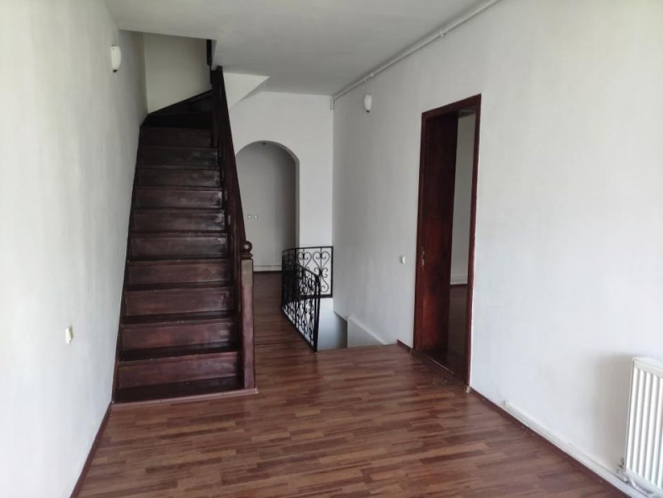 https://allimob.ro/en/inchiriere-houses-villas-5-camere/ploiesti/offices-in-ploiesti-bulevardul-independentei-area_1709