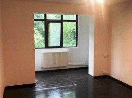 Apartament decomandat, 2 camere, imbunatatiri,  zona Vest, Ploiesti