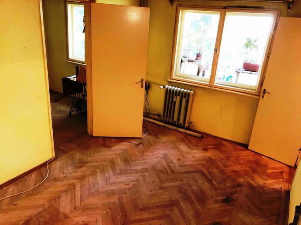 https://allimob.ro/ro/vanzare-apartments-3-camere/ploiesti/apartament-3-camere-zona-nord-ploiesti_1906
