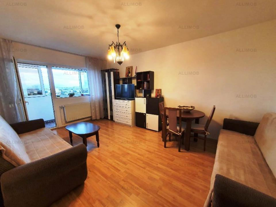 3-room apartment in the center of the area of the Republic, and how did he
