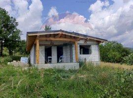 Casuta de vacanta cu 1616mp teren in zona pitoreasca judetul Valcea