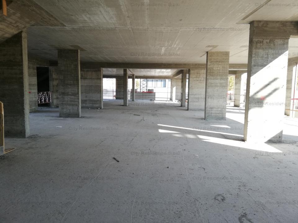 Spatiu birouri / comercial - str. Calea Gusteritei - central - 750 mp