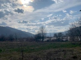 Teren cu vedere la lac Sat Vaduri Jud. Neamț