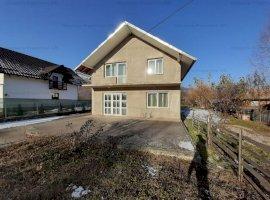 Casa si teren 900mp in Sat Ceahlau, Jud. Neamt