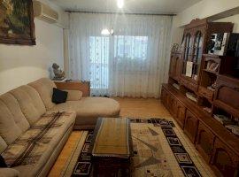 Apartament decomandat cu 3 camere, Aradului