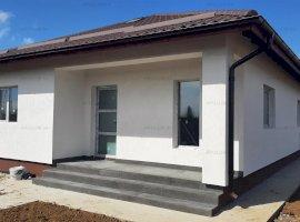 Săbăreni, casă 3 cam, 82 mp utili + terasă, CT, curte 420 mp