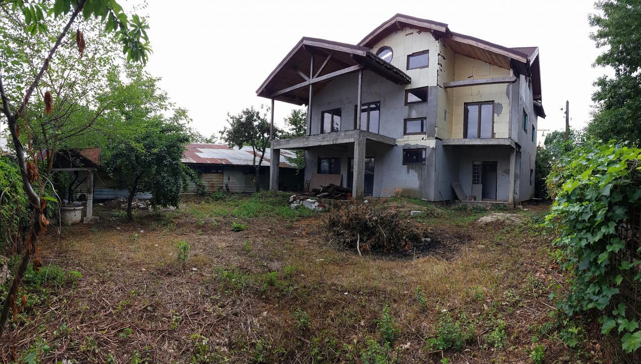 De vanzare! Casa/Vila Ghermanesti acces exclusiv la lac