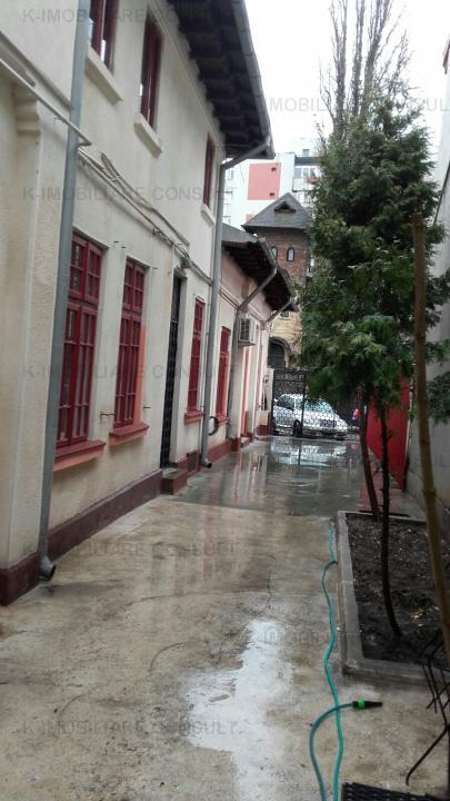 Banu Manta casa singur curte 10 camere
