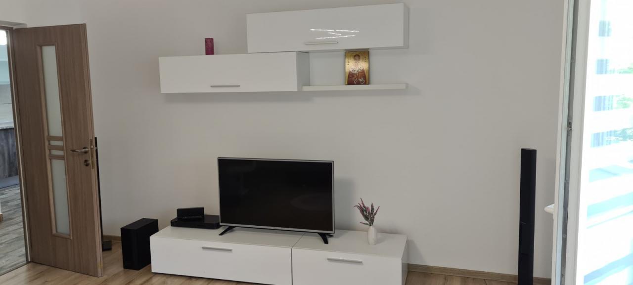 Basarabia Diham apartament 2 camere prima inchiriere +loc de parcare