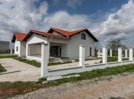 Casa zona Crevedia- Samurcasi