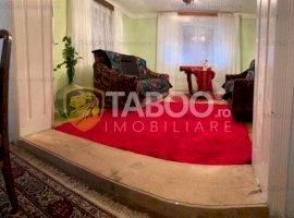 Casa 600 mp teren de vanzare in Voivodeni judetul Brasov