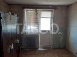 Apartament de vanzare 2 camere decomandate zona 13 Decembrie Fagaras