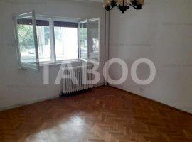 Apartament  3 camere de vanzare zona B-dul Unirii Fagaras