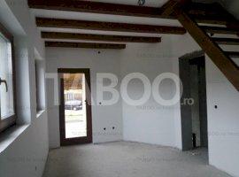 Casa 4 dormitoare de vanzare pe strada linistita Cisnadie