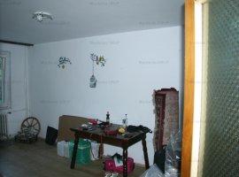 VITAN, vanzare apartament 3 camere decomandate, 2 gr. sanit. etaj 2/8