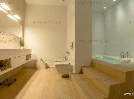 Apartament  3 camere de vânzare în zona Ultracentral