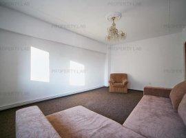 Apartament cu 3 camere în zona Băncilor