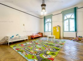 PREȚ REDUS - Apartament 220mp, strada Unirii