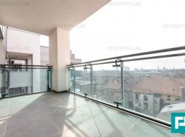 Apartament nou, nemobilat, zonă ultracentrală. Arad Plaza.