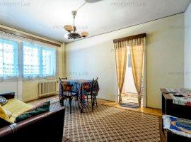 Apartament cu 2 camere, necesită renovare.