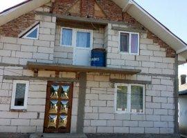 Vanzare  casa  2 camere Arges, Teiu  - 35000 EURO
