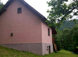 Inchiriere  casa  2 camere Cluj, Valea Ierii  - 211 EURO lunar
